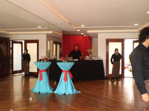 Bar and dancefloor at San Diego wedding