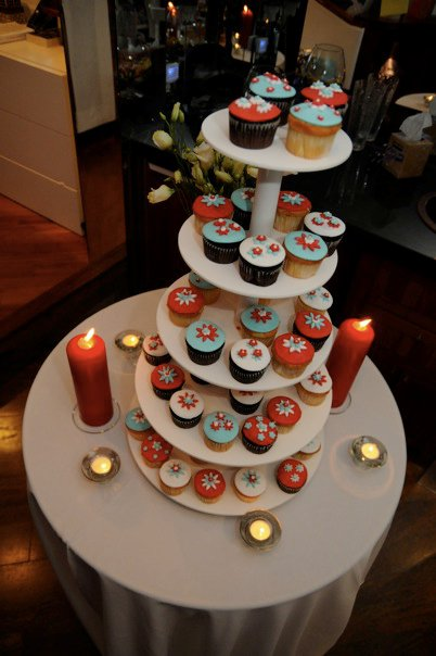 Red, white, and blue wedding cupcakes